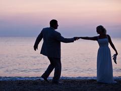 свадьба на берегу грешеского моря