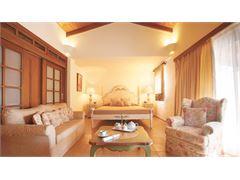 Deluxe Bungalow Suite